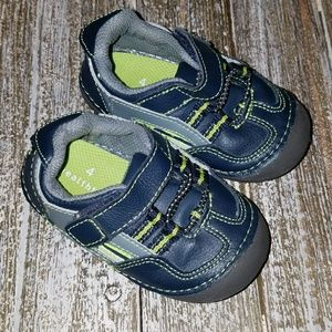 Healthtex Baby/toddler shoes